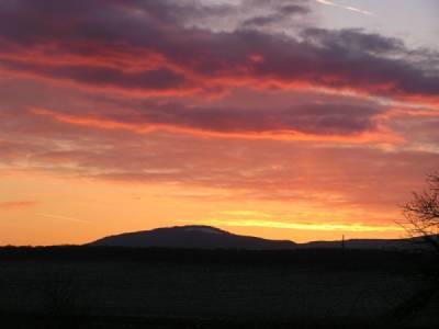 Sonnenuntergang am Altkönig - Bild von MdE (Wikipedia.de)