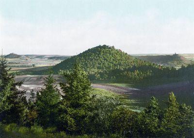 Die bis 421m hohen Drei Gleichen um 1900- Bild aus Wikipedia