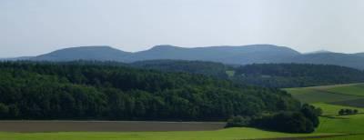 Dreisberg (448m), Koppe (454m) und Hemmerich (476m) im äußersten Osten des Zollbuche-Höhenzuges