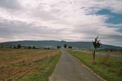Der Hohe Meißner (754m) von Osten - Bild aus Wikipedia