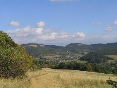 Die bis 605m hohen Reinsberge - Bild aus Wikipedia
